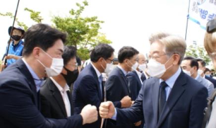 """이재명·이낙연 광주 총 집결…""""대세냐, 역전이냐"""""""