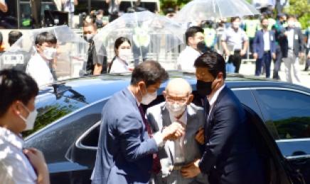 전두환측, 국과수 '전일빌딩 헬기사격 탄흔 감정' 반박