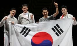 [펜싱] 남자 사브르 단체전 금메달… 올림픽 2연패 쾌거 (종합)