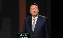 """洪 """"도덕성, 이재명과 피장파장"""" vs 尹 """"정치 26년, 격 갖춰라""""…정면충돌"""