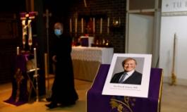 지역구 행사 참가했다 흉기에 피습당한 38년 경력 英 보수당 의원 사망