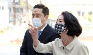 """김부선 """"나도 '이재명 X파일' 있다…지극히 사적이라 침묵"""""""