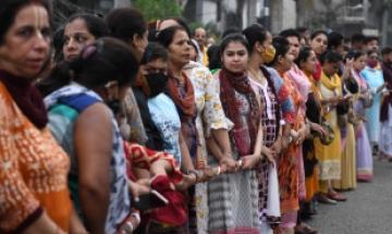 17세 인도 소녀, 꽉 낀 청바지 입었다고 가족에 명예살인 당해