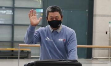 """'금의환향' 최경주, 2주연속 우승 도전 """"후배들과 경쟁해보겠다"""""""