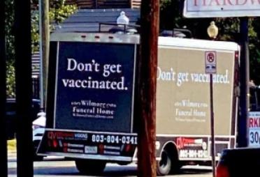 """""""백신 맞지마""""…도심 광고판의 놀라운 반전"""