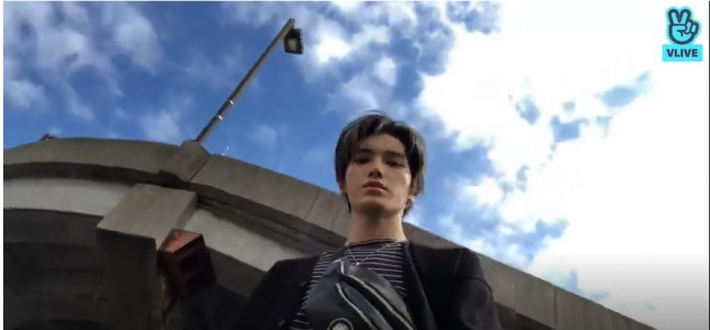 [V Report] NCT takes riverside walk with fans