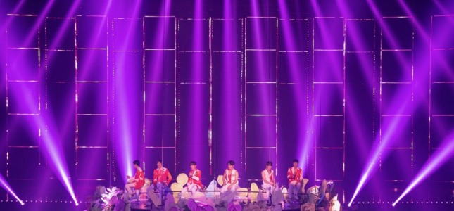Shinhwa promises to stay with fans 'forever' at 21st anniversary concert