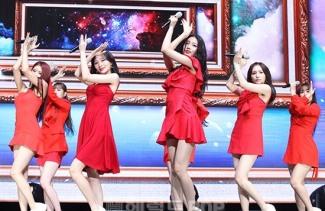 [POP영상]러블리즈, 치명적 컴백 무대 '그 시절 우리가 사랑했던 우리'