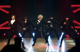 VAV returns with masculine 'Thrilla Killa'