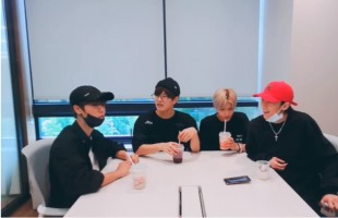 [V Report] Stray Kids' 19-year-olds share memories