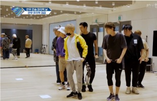 [V Report] Super Junior breaks sweat over choreography