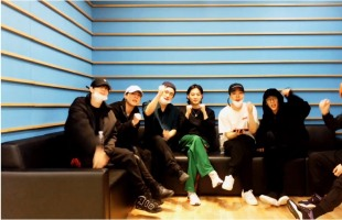[V Report] GOT7 hints at new music to come soon