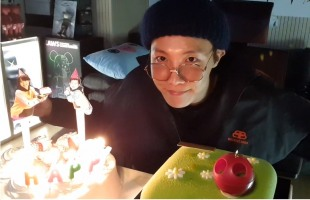 [V Report] BTS' J-Hope celebrates birthday