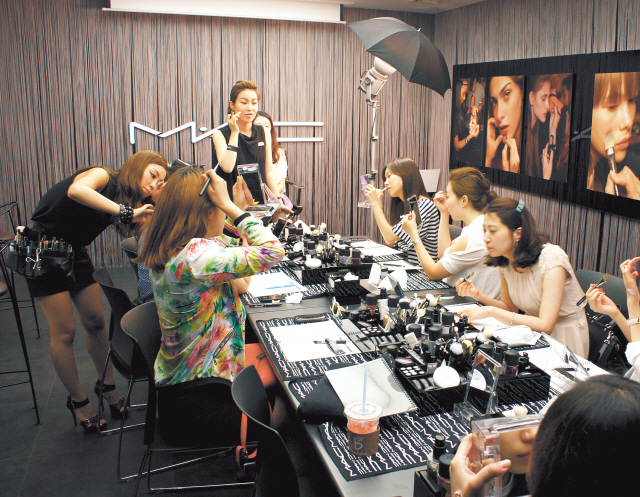Make-up schools for non-pros