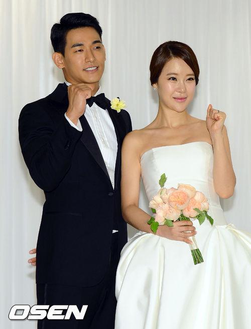 Korean singer baek jiyoung hidden cam Part 4 8
