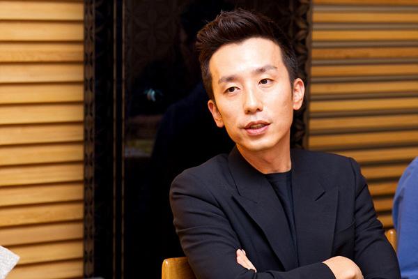 You Hee-yeol pulls off risque jokes on SNL Korea