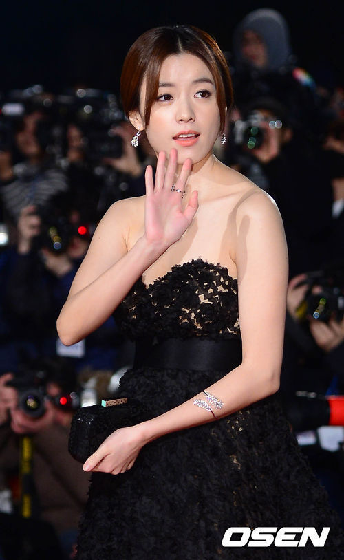 3 indicted for blackmailing actress Han Hyo-joo