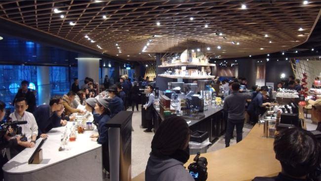 A Look Inside Largest Starbucks Store In Korea The Korea