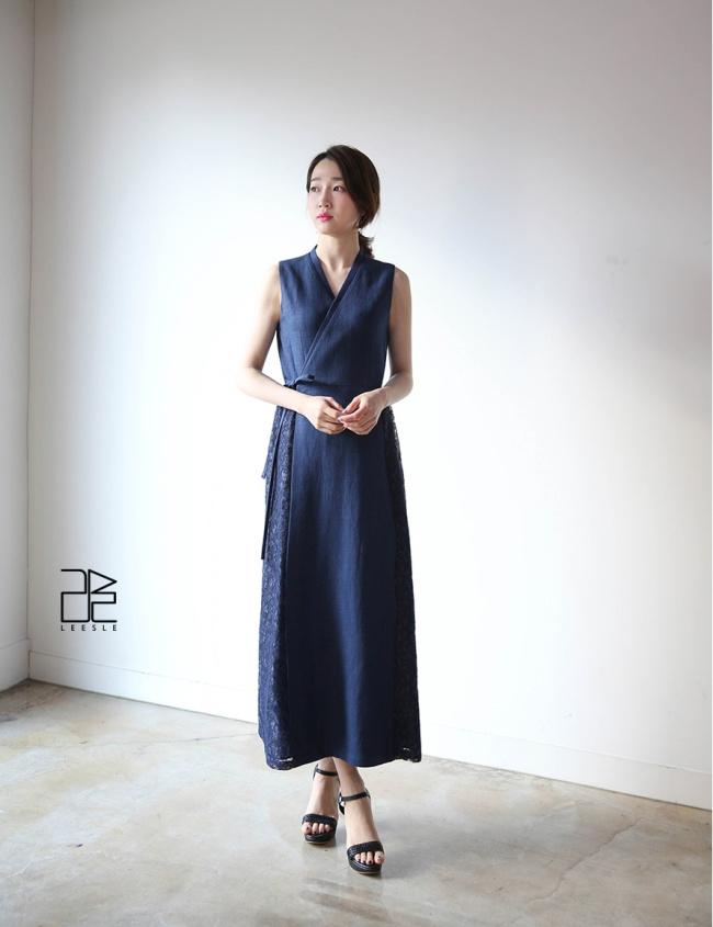 Hwang's bold interpretations of hanbok for today (Leesle)
