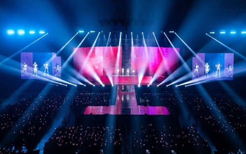 Black Pink performs before 10,000 fans in Seoul