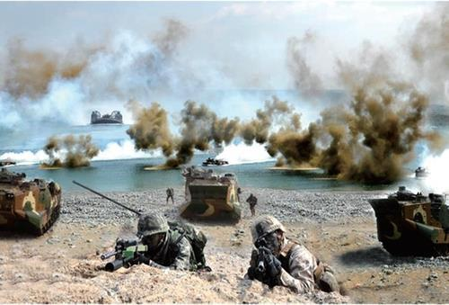 This file photo provided by the defense ministry on Tuesday, shows the South Korean and the US marine corps' joint landing exercise held in April 2020. (Ministry of Defense)