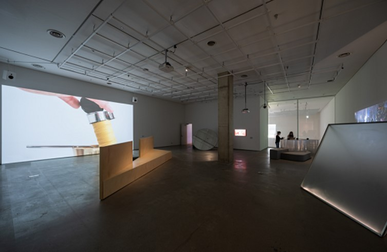 """An installation view of """"Watch and Chill: Streaming Art to Your Home"""" at MMCA Seoul (MMCA)"""