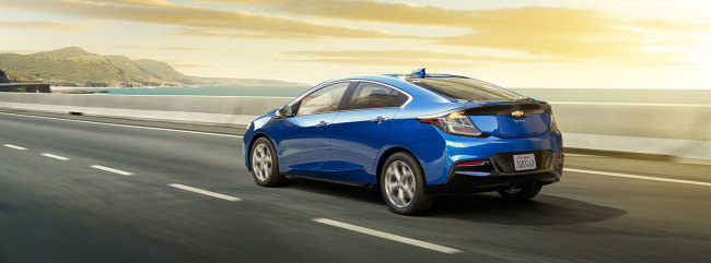 With The Full Electric Chevrolet Bolt Hitting Market This Year Gm Has Been Reluctant To Launch Volt For General S Due Its High Pricing