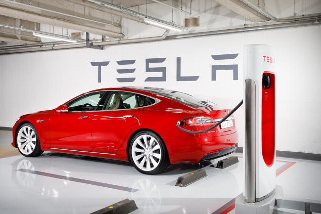 Under The Agreement Kt Will Provide Network Services For Tesla S Electric Vehicles As Well Develop Telematics Technology Citing Industry Sources