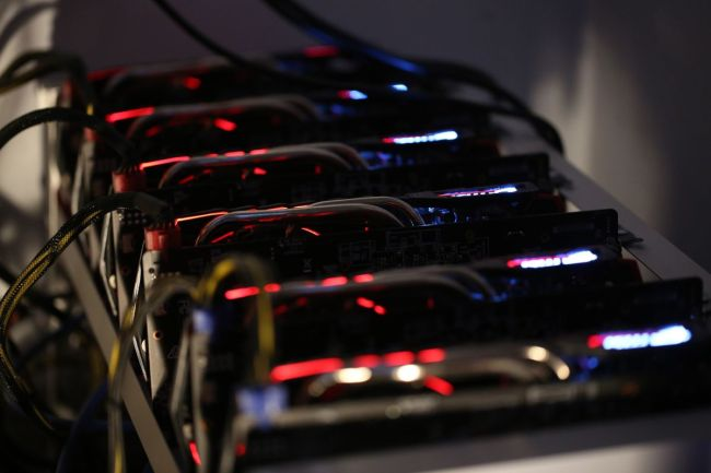 BLOCKCHAIN] Bitcoin miners drive up graphics card sales