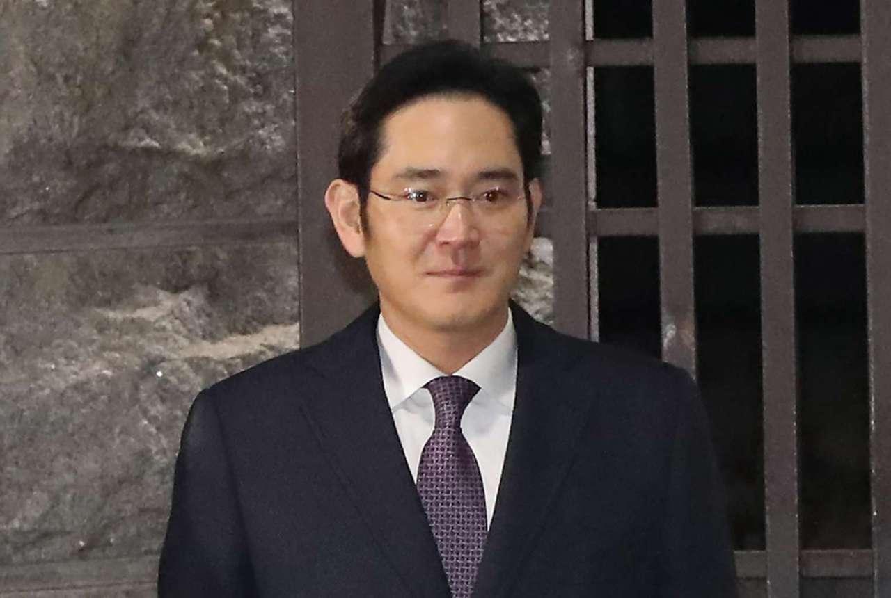 Samsung heir heads to Japan amid export curbs
