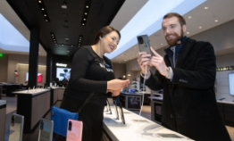 [From the Scene] Galaxy S20, Z Flip attract aspiring tech leaders in Silicon Valley