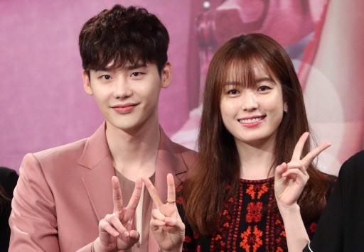 Two worlds collide in MBC drama 'W'