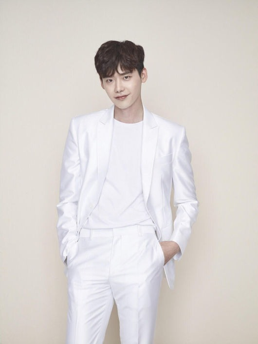 Actor Lee Jong-suk takes on first villain role