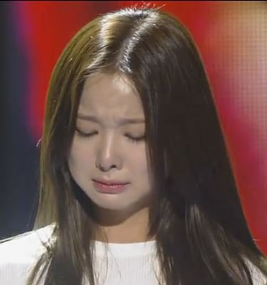EXID's Solji cries as song reminds her of mother