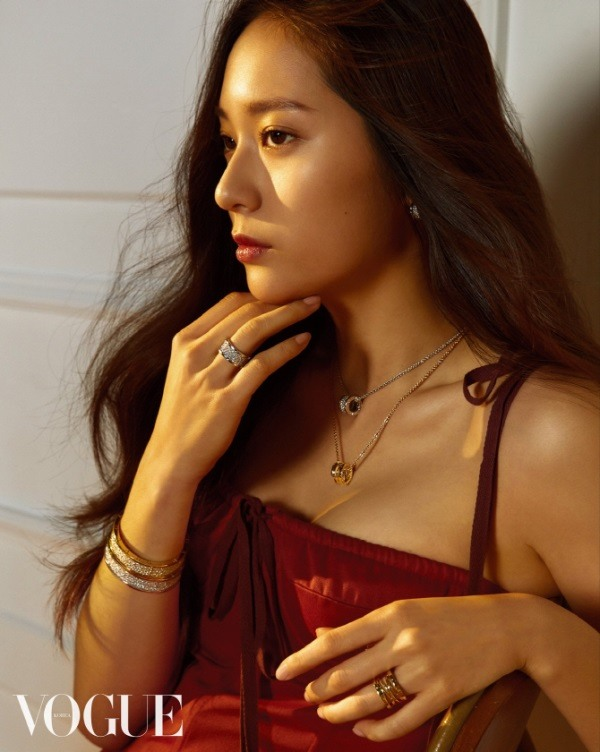 F(x)'s Krystal did a graceful photo shoot for VOGUE 04 ...