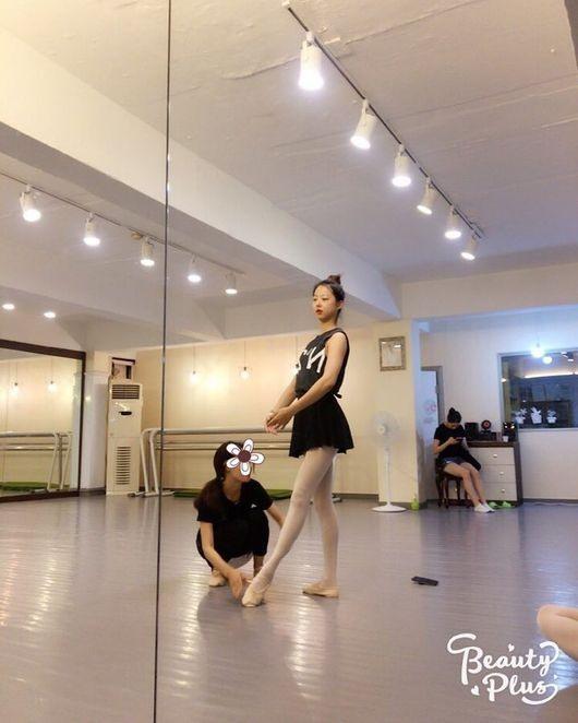 Solji of EXID learns ballet