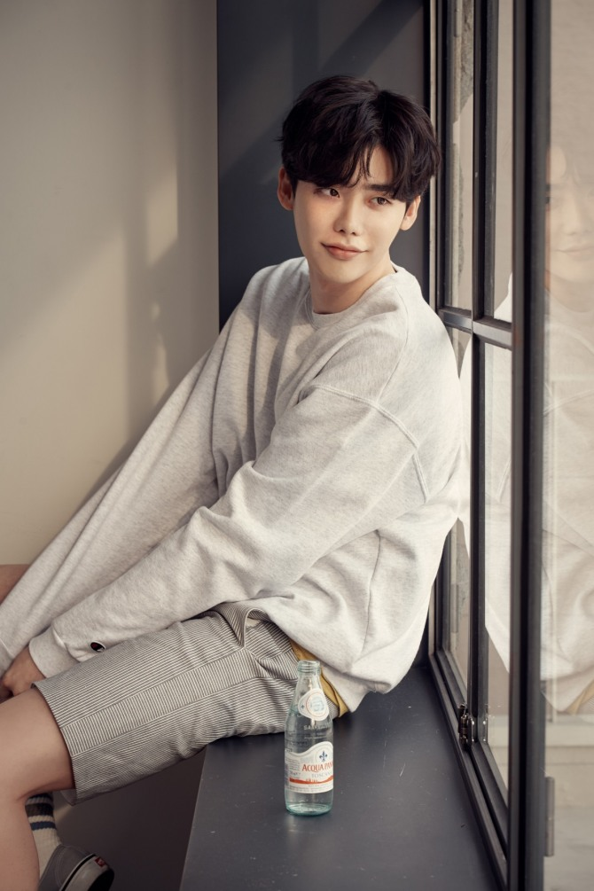 Herald Interview] Lee Jong-suk on playing a delicate serial