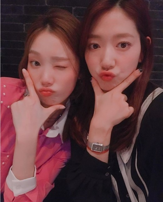 Park Shin-hye, Lee Sung-kyung cherish friendship