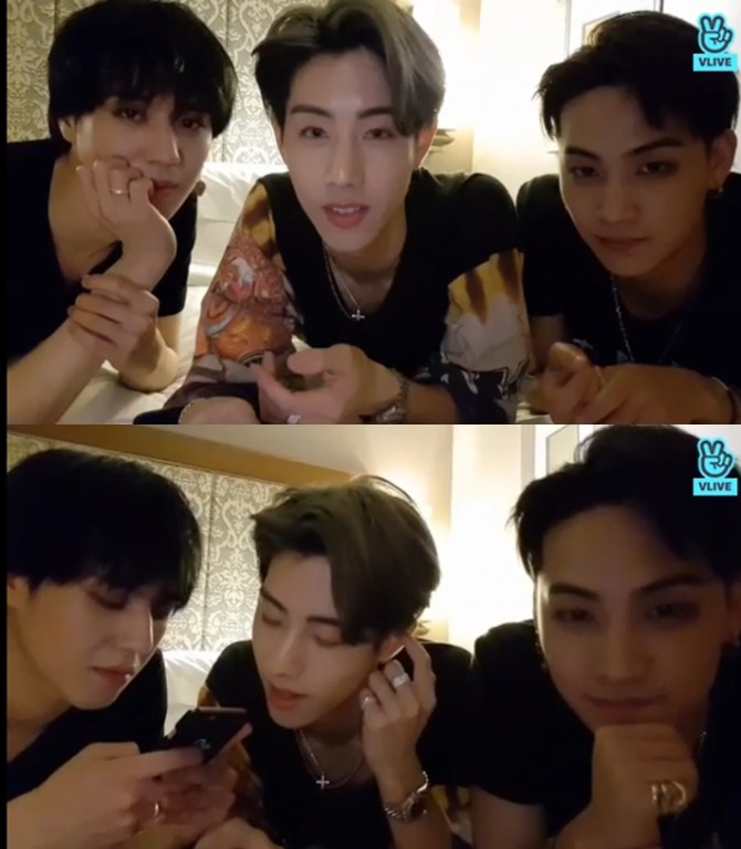 V Report] Why does Mark share hotel room with Yugyeom on GOT7's tour?