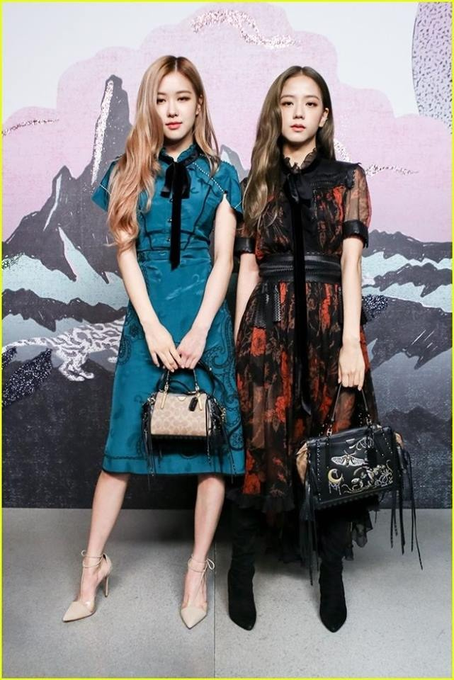 22af44db68783 On Tuesday, Rose and Jisoo posed for photos with Selena Gomez while  attending Coach's Spring 2019 show at Pier 94. In the photos, Gomez, clad in  a metallic ...