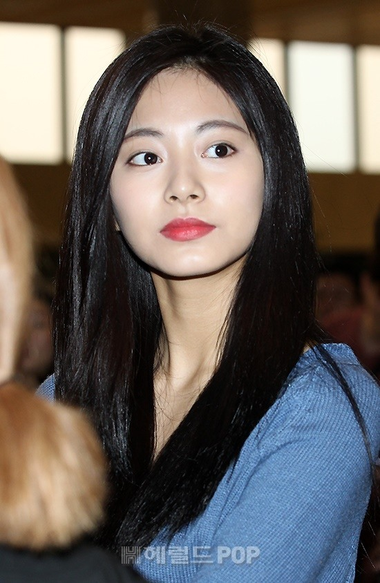 Twice S Tzuyu Shows Natural Look Before Departure