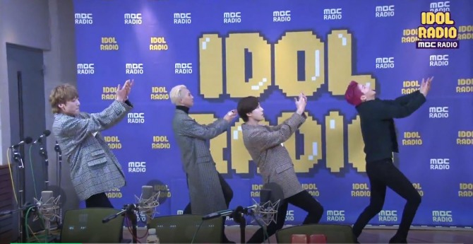V Report Plus] Winner performs dance medley with its songs