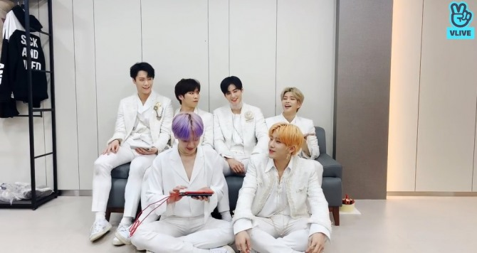 V Report] BTS hits authentic Korean spa on new episode of