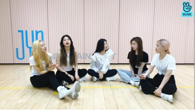 V Report] BTS gains confidence on set of sitcom