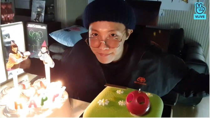 V Report Bts J Hope Celebrates Birthday