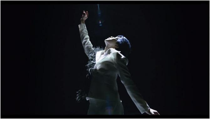 v report bts surprises fans with black swan video kpop herald