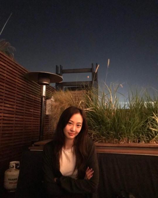 씨스타 출신 김다솜, 밤에도 빛나는 청순 미녀