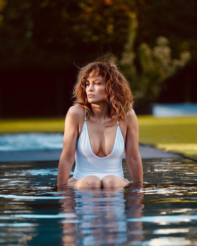 [할리웃POP]제니퍼 로페즈, 섹시함 과다초과 치명적 수영복 인증