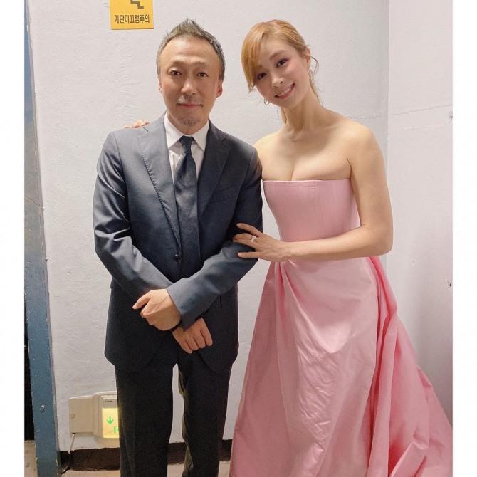 옥주현, 섹시한 글래머 보디라인 인증..핑크 드레스가 찰떡