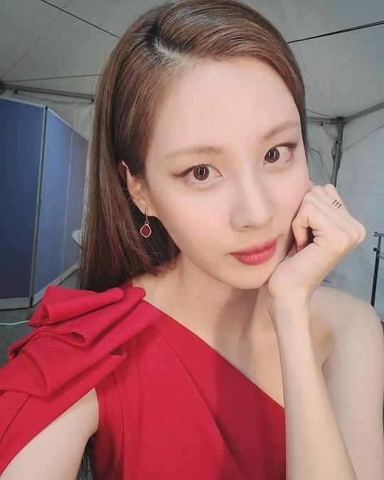소녀시대 서현, 매혹적 레드 드레스…몰라보게 달라진 얼굴